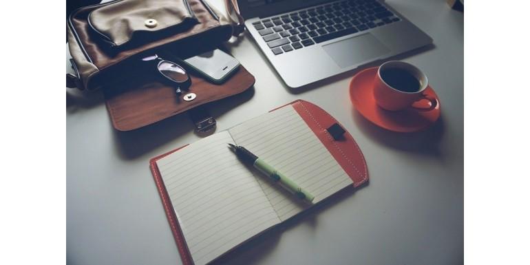 Odśwież biuro na wiosnę – 3 sprzęty, które warto wymienić
